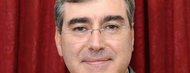 Tribunal condena autor de blogue por difamar sacerdotes